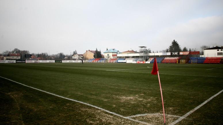 1 Liga Stadiony Muszą Mieć Sztuczne Oświetlenie Piłka Nożna