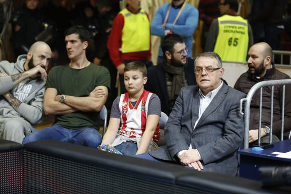 Pero Antić i Marko Kešelj ne nastupaju ovoga puta, a uz klupu crveno-belih je i predsednik kluba, Nebojša Čović