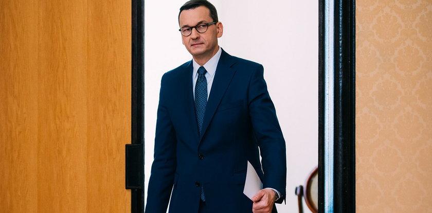 """""""Pieniądze dla swoich"""", czyli jak premier Morawiecki dzielił państwowe fundusze"""