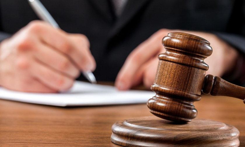 Sędzia z Poznania ma posób na chorowitych gangsterów