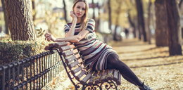 Wzorzyste sukienki do 100 zł - modne, kobiece i idealne na jesień!