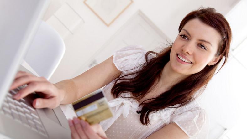Jak mądrze kupować kosmetyki online?