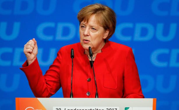 Podczas spotkania premierów trzech krajów z młodzieżą Merkel odniosła się też do problemu migracji, wzywając pozostałe kraje UE do solidarności