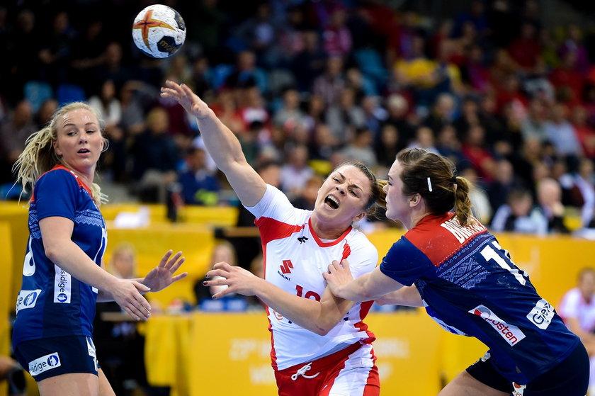 Tak Romana Roszak (26 l.) walczyła z Norweżkami trzy lata temu podczas mistrzostw świata. Wówczas wygrała 35:20
