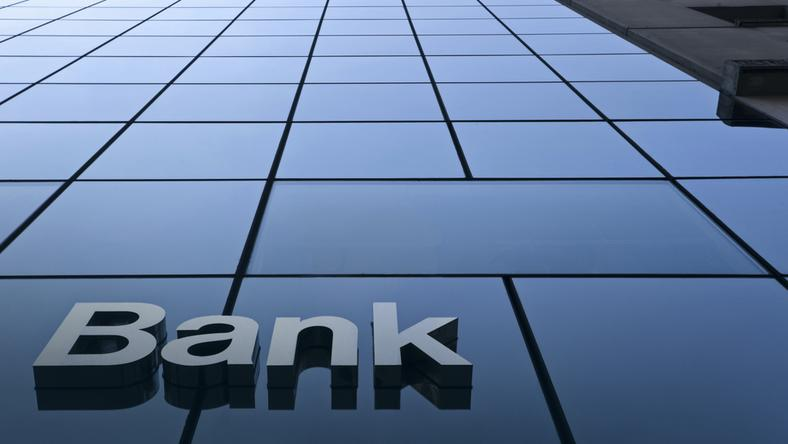 Polacy odchodzą od tradycyjnej bankowości