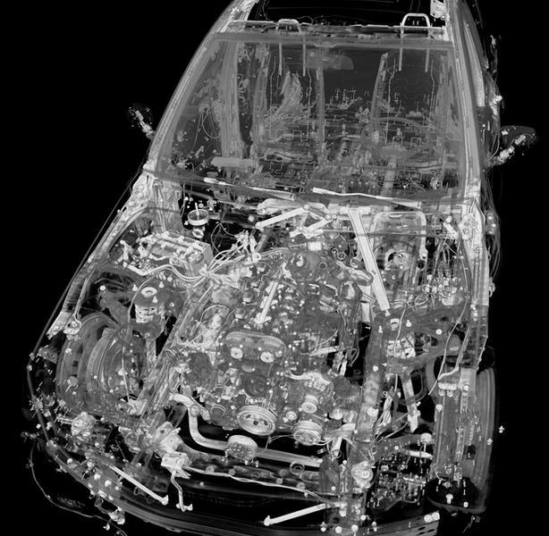 Twórcom udało się uzyskać obrazy o jakości wystarczającej do oceny procesu deformacji poszczególnych komponentów samochodu.
