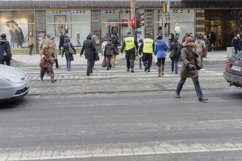 Przejście dla pieszych na ul. Świdnickiej we Wrocławiu