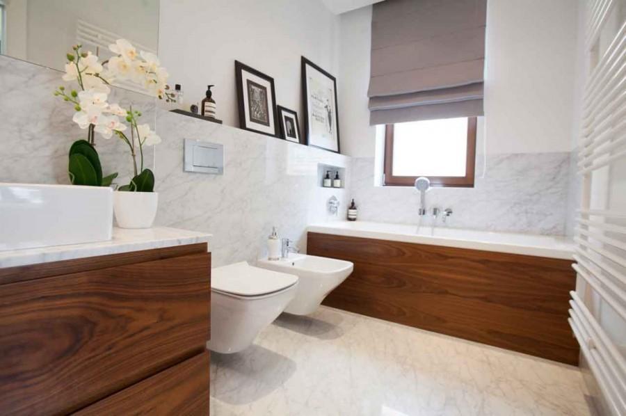 Do wykończenia łazienki użyto również szlachetnych materiałów.