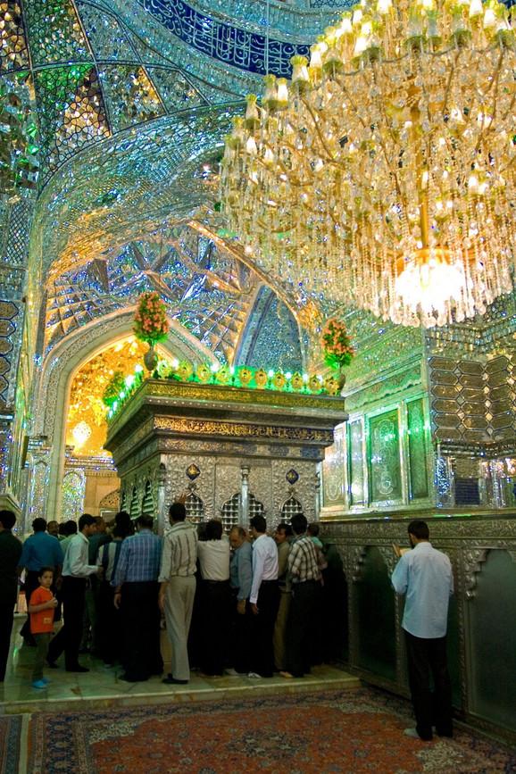 Džamija Šah Čerag ima vrlo jedinstvenu unutrašnjost