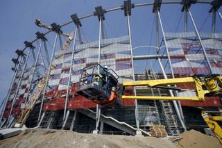 Wadliwe schody to nie jedyna usterka na Stadionie Narodowym? Trybuny przeciekają
