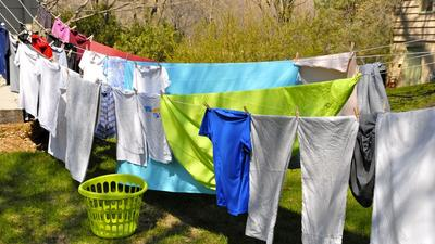 7 reasons why your clothes stink even after washing