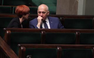 Rafalska apeluje o mobilne punkty przyjmowania wniosków o 500 plus