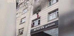 Matka wyrzuciła przez okno czwórkę dzieci podczas pożaru