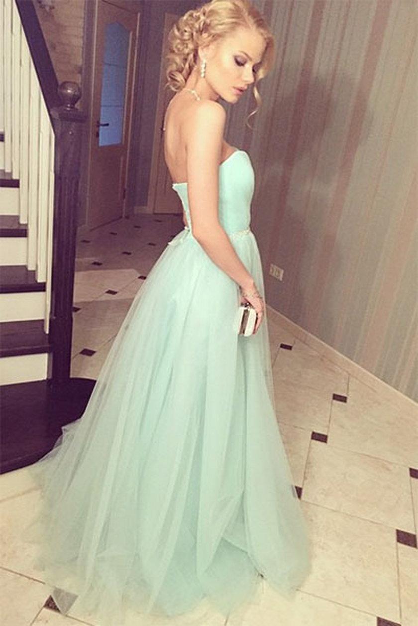 Wybranką piosenkarza stała się 18-letnia Alina