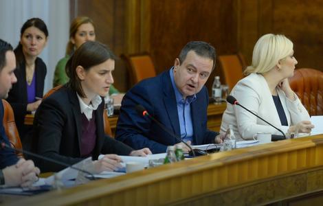 Brnabić i Dačić na sednici Vlade