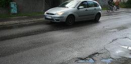 Trwają pozimowe naprawy dróg