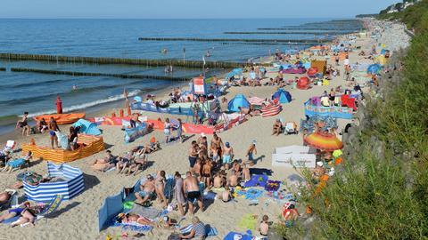 Firma turystyczna, która anulowała wyjazd, ma obowiązek wykonać zwrot w 14 dni. Tarcza antykryzysowa wydłuża ten termin do 180 dni.