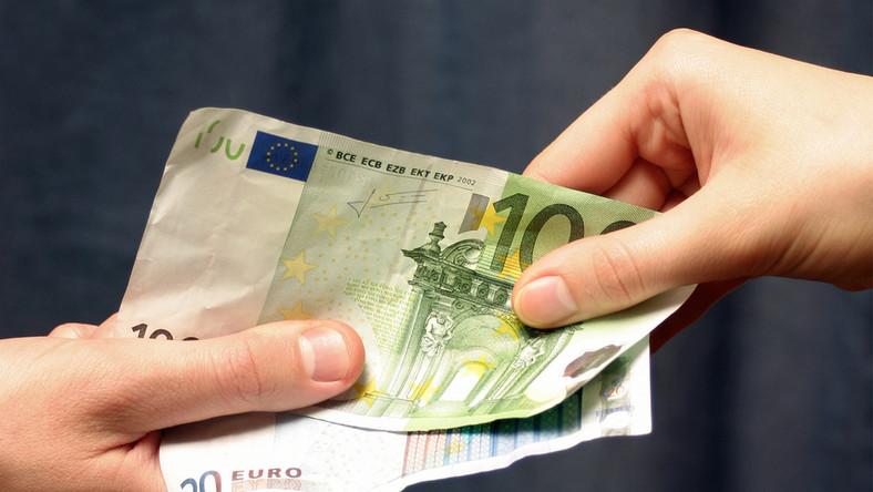 Polskie firmy przegrywają z mafią