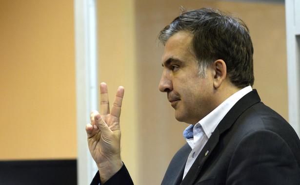 A Saakaszwili, który po ucieczce z Tbilisi próbował kontynuować karierę jako polityk w Kijowie, dopóki nie skłócił się z prezydentem Petrem Poroszenką i nie stracił także ukraińskiego obywatelstwa, nie ukrywa żądzy rewanżu.