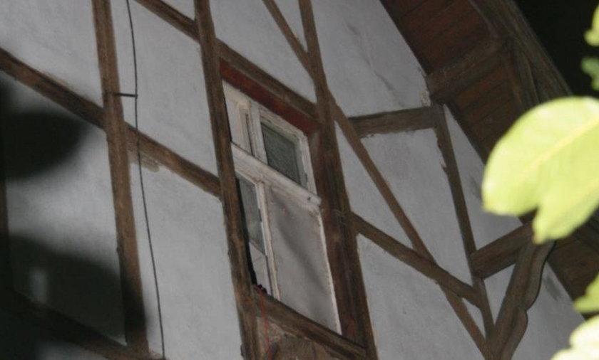 7-latka wypadła z okna