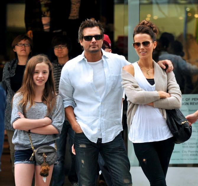 Kejt i Len sa ćerkom 2011.