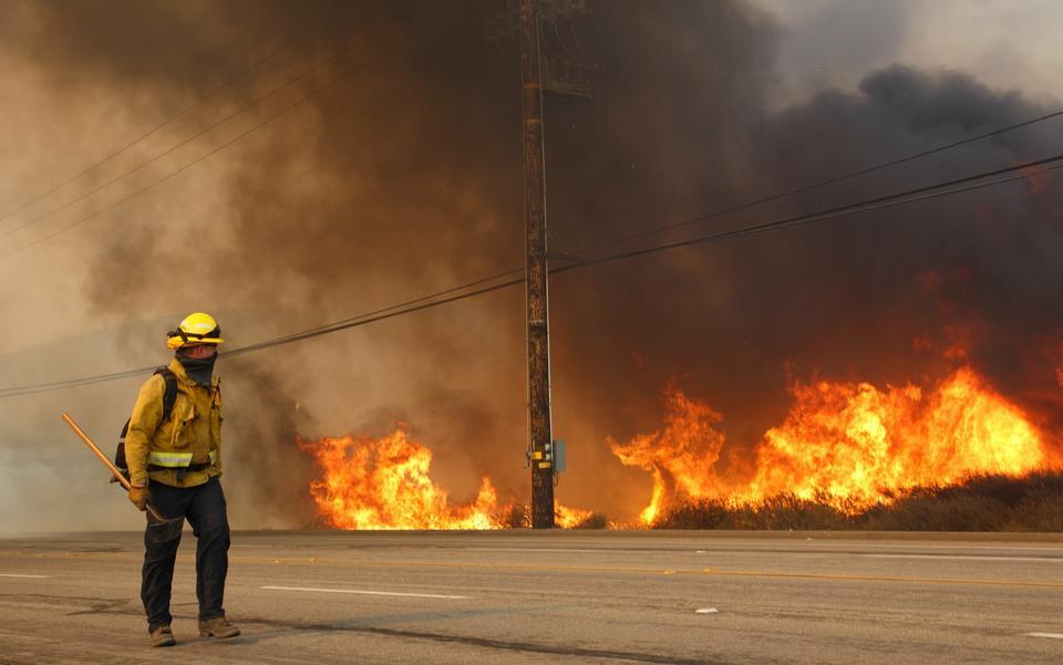 Pożar w dzielnicy Anaheim Hills w Anaheim