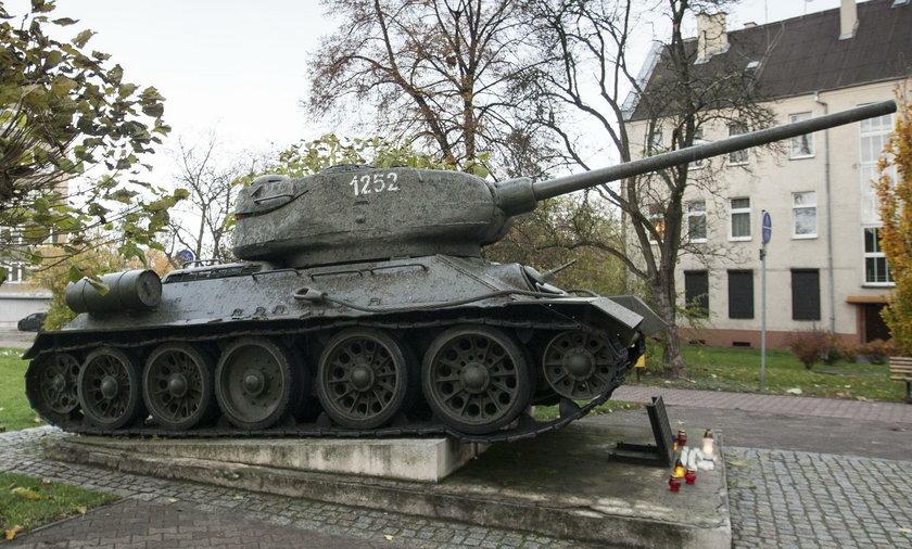 Czołg stojący w Gliwicach ma trafić do muzeum