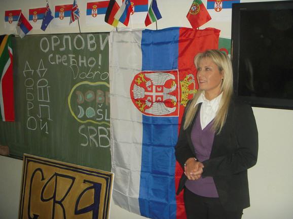 Deca naših iseljenika u Južnoj Africi imaju pet sati dopunske nastave koju volonterski drži profesor-učitelj Violeta Pavlović-Marinović