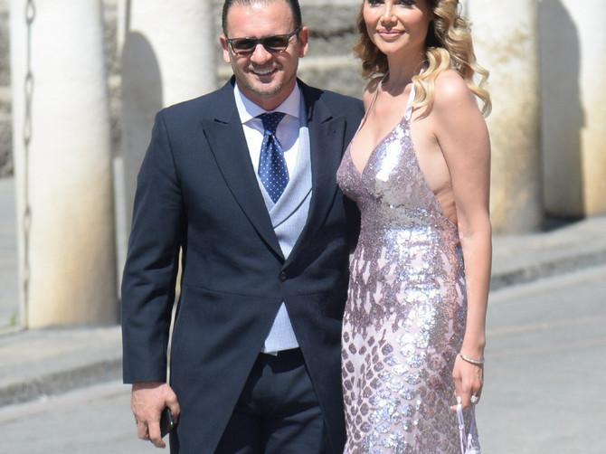 Juče su na SVADBI GODINE baš svi pogledi bili upereni u PRELEPU ŽENU PEĐE MIJATOVIĆA: Pogledajte samo taj HRABRI DEKOLTE i divnu haljinu!