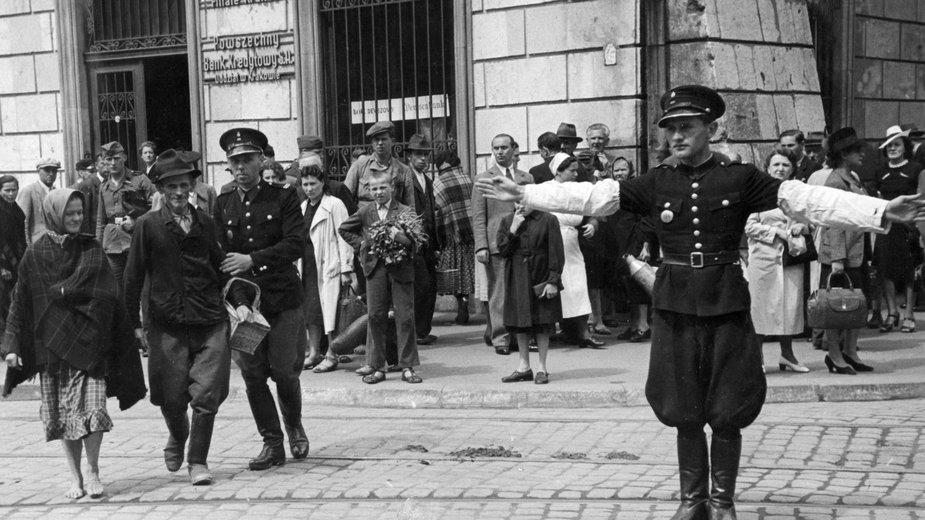 Kraków w okresie okupacji niemieckiej. Narodowe Archiwum Cyfrowe.