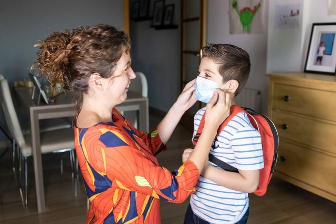 Neka maska bude i deo porodičnih aktivnosti