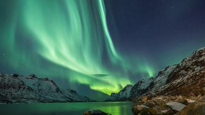Zorza polarna na spektakularnych zdjęciach wykonanych z kosmosu