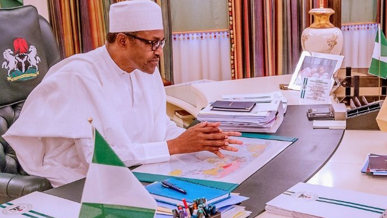 President Muhammadu Buhari's government has been urged by the International Monetary Fund (IMF) to remove subsidy on fuel [Twitter/@mickiebrownkie]