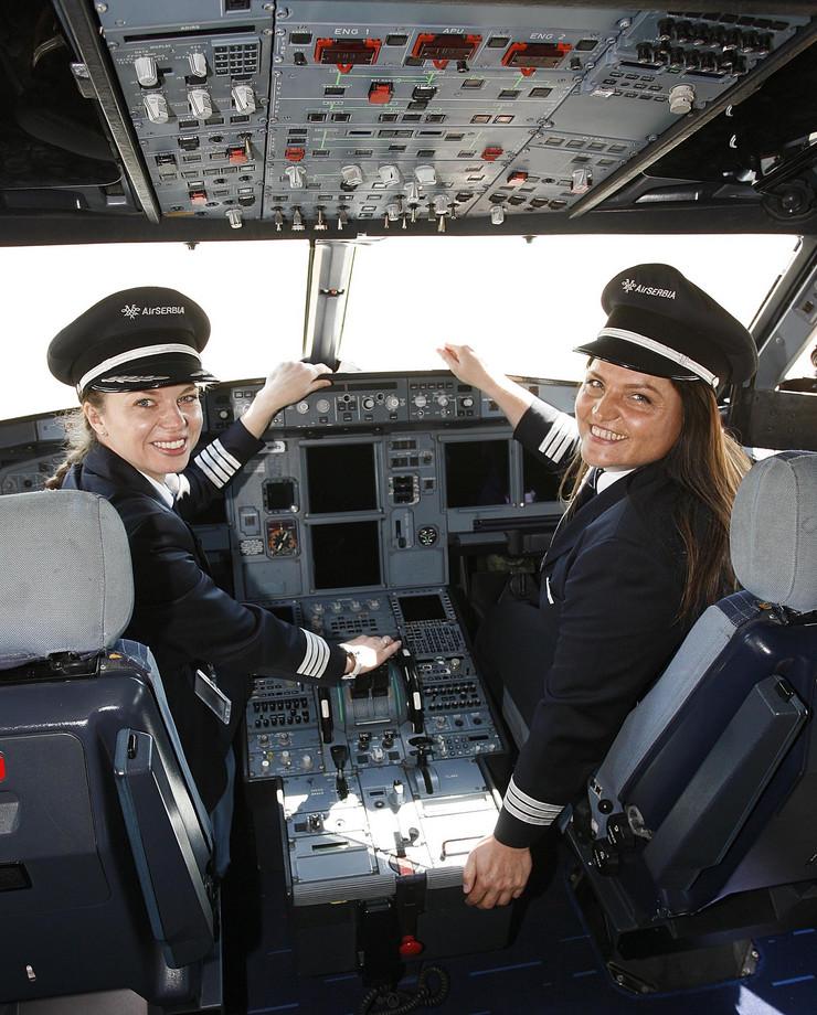 Vesna Aleksić, Mirjana Stojilković, Piloti, Er Srbija