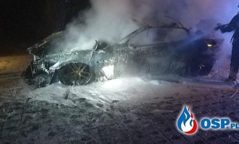Lublin: luksusowe maserati doszczętnie spłonęło na parkingu