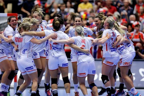Slavlje norveških rukometašica posle svetske titule