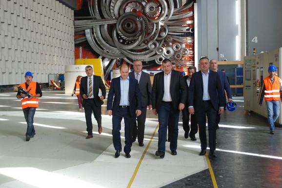 Ministar Aleksandar Antić, Milorad Grčić v.d. direktora EPS-a i Radmilo Nikolić, direktor u HE Đerdap 1