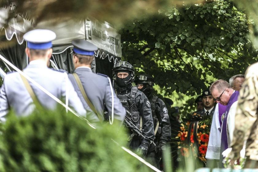 Pogrzeb asp. szt. Adama Pawlaka na cmentarzu w Gorzowie