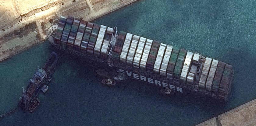 Koniec blokady Kanału Sueskiego? Udało się uruchomić silniki kontenerowca