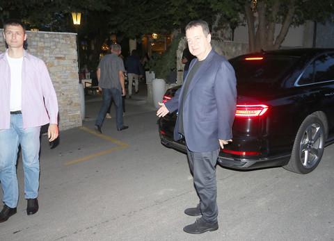 Ivica Dačić se pojavio na proslavi rođendana, pa zapevao u duetu sa Deom Đurđević! Video