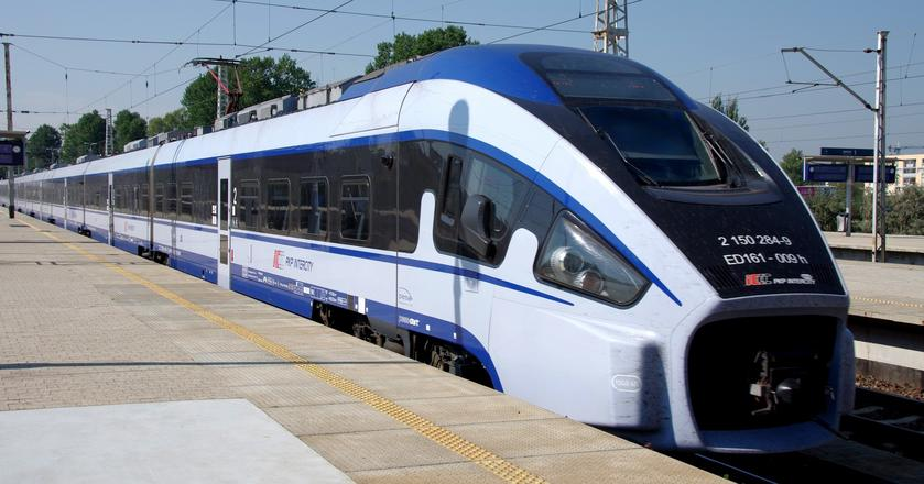 Sytuacji Pesy nie poprawia też rezygnacja PKP Intercity z zamówienia kolejnych składów Dart