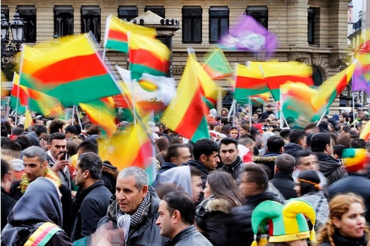 Skup Kurda u Frankfurtu AP