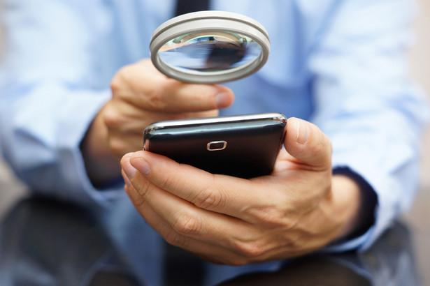 Urząd Komunikacji Elektronicznej odnotowuje kolejne skargi od klientów, którzy padli ofiarą nadużyć ze strony firm oferujących usługi w sieciach operatorów komórkowych.