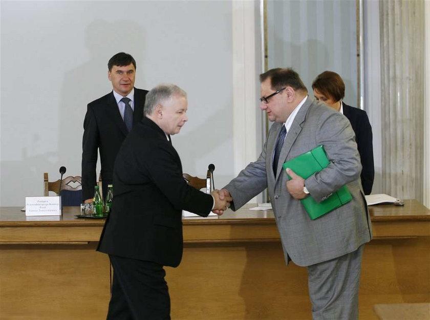 Jarosław zeznaje przed komisją