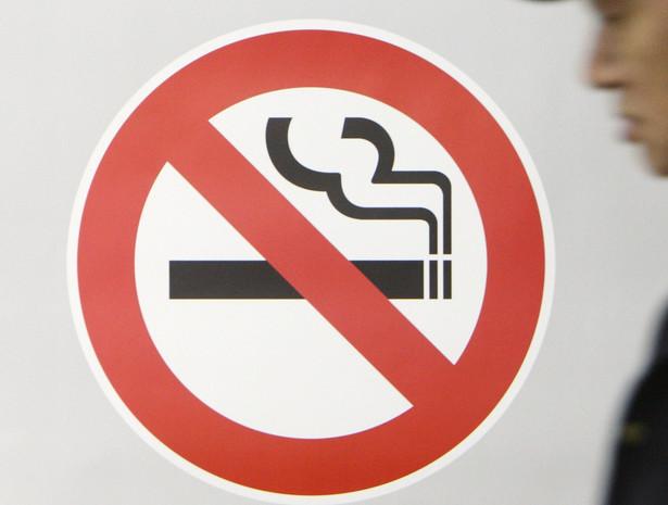 Choć zakaz palenia w miejscach publicznych obowiązuje, rynek tytoniowy ma się w Polsce dobrze