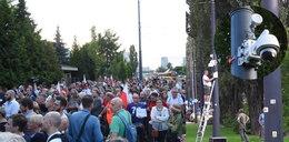 Tak pod domem Kaczyńskiego instalowano kamery. Służby nagrywają protestujących?