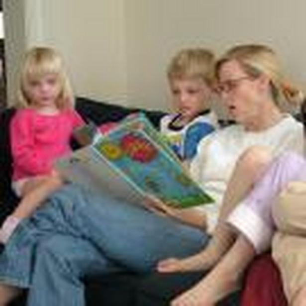 Zmniejszenie wartości należnego podatku o kwotę ulgi rodzinnej powoduje wzrost dochodu netto, od którego zależy uprawnienie do świadczeń rodzinnych.