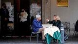 Włoski rząd łagodzi restrykcje! Otwarcie restauracji, kin i teatrów