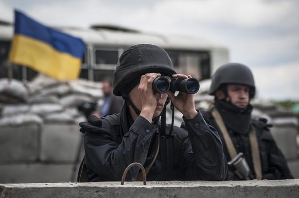 Wojsko ukraińskie w pobliżu Słowiańska. EPA/ROMAN PILIPEY/PAP/EPA