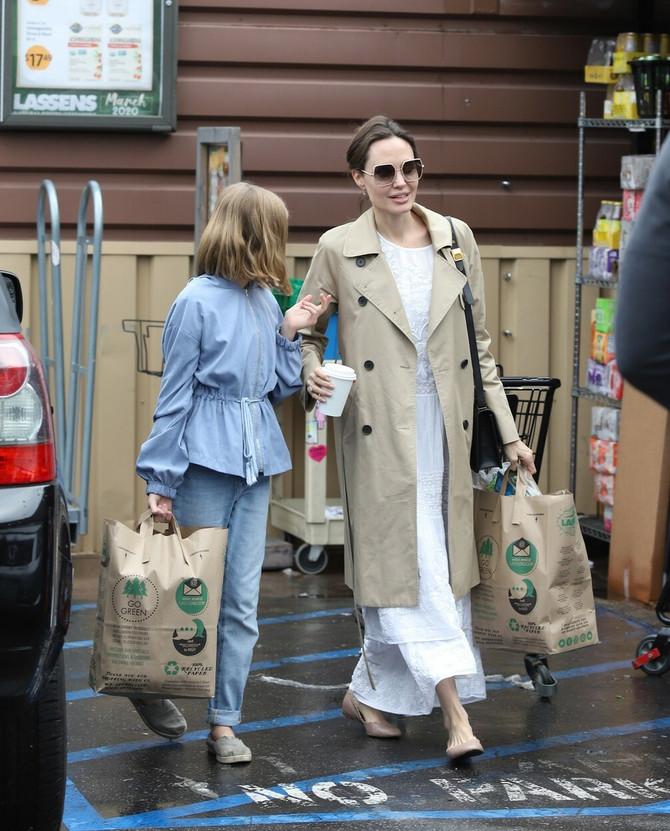 Anđelina Žoli i ćerka Vivijen u Los Anđelesu